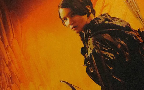 Novo poster do filme The Hunger Games é divulgado no Comic-Con.