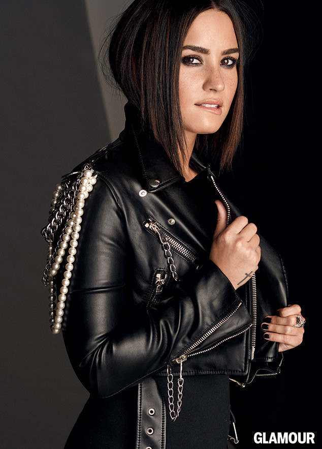 rs_634x883-161004062724-634-demi-lovato-glamour-1-10416
