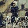 """Emma Stone revela as maiores curiosidades sobre os figurinos de Cruella e a pressão de fazer a vilã: """"Sempre uma noite mal dormida"""""""
