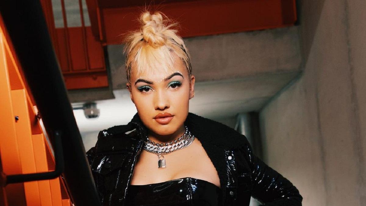 Mabel lança novo single, Let Them Know