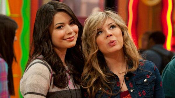 iCarly: Miranda Cosgrove revela que ligou para Jennette McCurdy pedindo para ela participar do revival