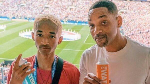 Will Smith faz edição bizarra no rosto de Jaden numa foto de família