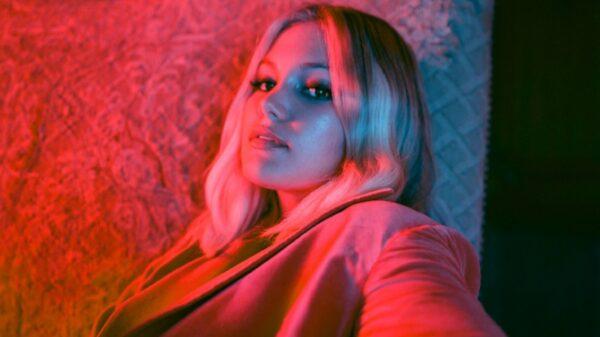 Olivia Holt lança de surpresa novo EP, 'In My Feelings'!