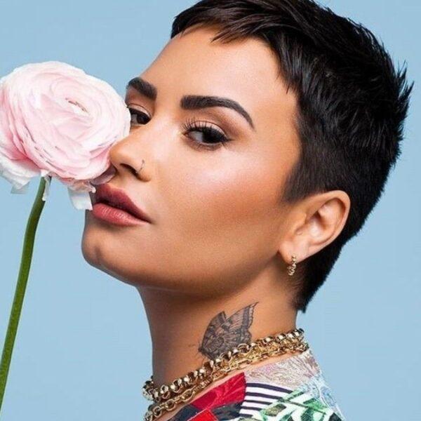 Demi Lovato diz que sente falta do Brasil em vídeo divertido de fãs brasileiros