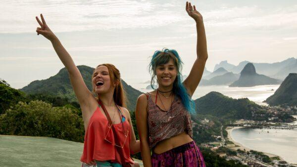 Diário de Intercâmbio: Netflix libera cenas do filme com Larissa Manoela e Thati Lopes