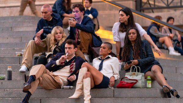 Reboot de Gossip Girl bate recorde em sua estreia