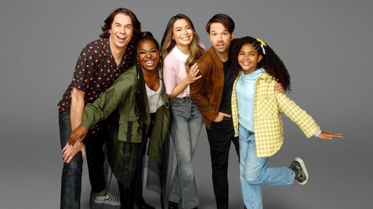 Miranda Cosgrove revela que revival de 'iCarly' quase foi uma espécie de Hype House; entenda