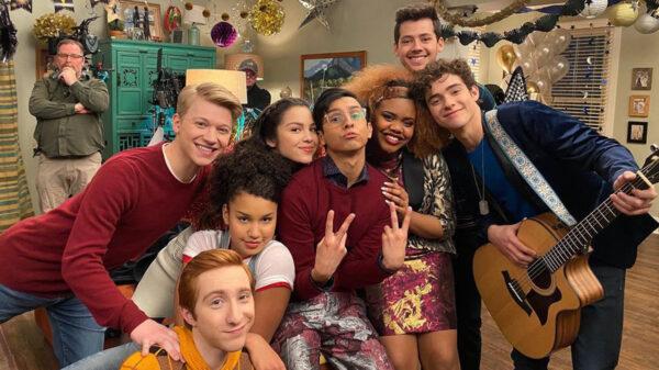 HSMTMTS: Bastidores da 2ª temporada mostra surpresa para Olivia Rodrigo no set