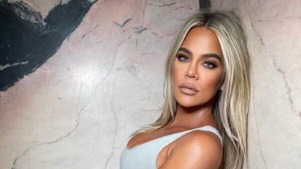 Khloé Kardashian responde boato de que teria sido banida do Met Gala