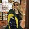 """Sabrina Carpenter relembra sua primeira vez no Brasil: """"Eu estava tipo, 'Ah, ninguém vai me conhecer'"""""""