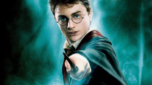 Daniel Radcliffe revela quantas varinhas realmente quebrou gravando 'Harry Potter' e não é a quantidade que os fãs achavam
